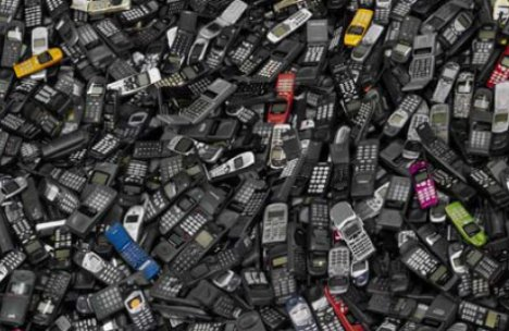 cell-phone-landfills