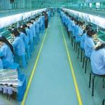 עובדי Foxconn מוחאים : תנאים קשים מדי בייצור האייפון 5